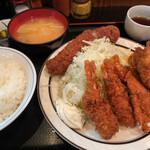 西麻布 三河屋 - 三河屋(海老フライ定食+メンチカツ単品)