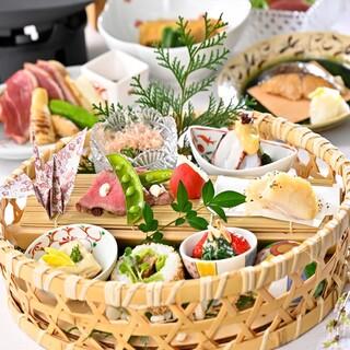 旬食材を使用した、月替わりのコース3600円よりご用意。