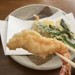 あんばい - 日本料理の高級割烹じゃないのですから、こんな海老天も味があって好きです+.(≧∀≦)゚+.゚