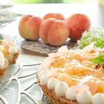イモノ キッチン - 7月の「能作のおやつ」:白桃ジュレのタルト