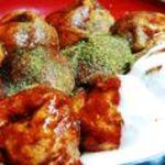 ウッデイ - 料理写真:格別ソースと自家製ホワイトソースで食べるのがウッディ流。
