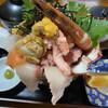 Tsuredure - 料理写真:北海道丼¥1.100(海鮮丼¥880との差は雲丹と蟹くらいか)