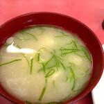 一楽ラーメン - 味噌汁もめっちゃ美味しい!
