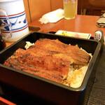 うなぎ屋 せいろ - 初めて食べるタイプの鰻 皮パリです