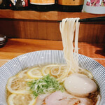 出道 - 麺リフト