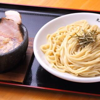 あっさり系のメニューもご用意♪元祖つけ麺を名古屋風にアレンジ