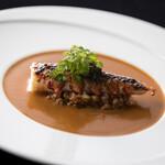 トレ・コローネ - 料理写真:魚料理一例:オマール海老の直火焼