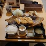 とんかつ みそ家 - 料理写真:ロース&ヒレカツランチ 1,650円 (ロース70g、ヒレカツ120g)