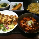 都来 - 唐揚げ定食+炒飯+ミニ麻婆豆腐