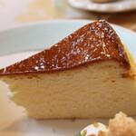まとい亭 - 焼きチーズケーキ