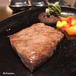 源喜屋 - 岩手県産 黒毛和牛のステーキ