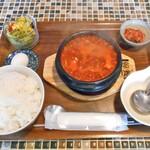 コッテジ - 豆腐チゲ ランチセット(激辛・ご飯大盛)