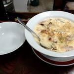 """154000908 - """"中華風茶碗蒸し"""" 600円も頼みました。取り分け皿も付いています。"""
