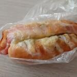 ブーランジェリー ショー - カマンベールバジリコベーコン302円