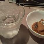 けんさん - 1杯目から芋。痛風治りきっていないけど、飲む。そういう日。