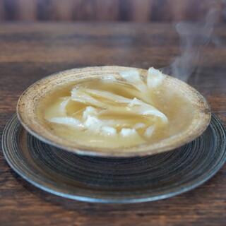 クロモリ - 料理写真:ヨシキリザメ胸鰭の煮込み