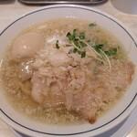 らーめん 鱗  - 料理写真:味玉らーめん塩