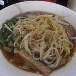 15406329 - 麺は中太麺です。