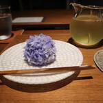 154065575 - 上生菓子のセット(冷たい煎茶)