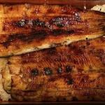 松乃家 - 紀州備長炭焼きの蒲焼きは、じっくり焼かれた焦げめが美味しそうです。