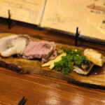 aniko - イタリアンアンティパスト ポルケッタ マルケ風パテ 季節野菜 クレッシャ