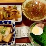 15407516 - 肉キムチ炒め物、揚げ出し、サラダ、豚汁で674円