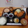 tonkatsueichan - 料理写真:大万吉豚ロースかつ定食@2250