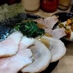 裏武蔵家 - 料理写真:裏むさチャーシュー特選