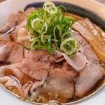 塚本 一盃 - 料理写真:令和3年7月 ランチタイム 肉そばラーメン大盛 850円