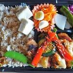 焼菓子家 泉 - 料理写真:国産若鶏の韓国チキン