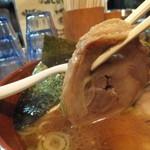 麺場 七人の侍 - 肉厚のチャーシュー