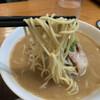 一鉄 - 料理写真:麺は中太ストレート系