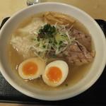 麺屋 ふぅふぅ亭 - ふぅふぅ亭スペシャル(塩)別角度