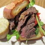 ブリーズィーカフェ - ビーフステーキOPENサンド 800円 ベイクドポテト・スープ・フリードリンク・サラダ