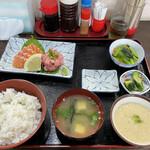 まる信 食堂 - 料理写真: