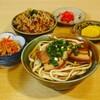 八重善 - 料理写真:じゅーしーご飯とおそばのセット。一番人気です。