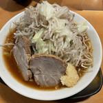 自家製熟成麺 吉岡 - 野菜マシ、ニンニクマシ