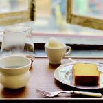 寺崎コーヒー - 料理写真:☆ハンドドリップコーヒー ☆レモンケーキ(アイスクリーム付き)