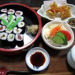 治作 - ランチ巻き寿司セット900円