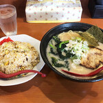 らーめん ひさちゃん - 料理写真:Cランチ(らーめん白+チャーハン)