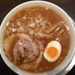 喜九成食堂 - とんこつ醤油ラーメン