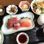 お米cafe さかもと - 料理写真:まんぷくランチ。1100円 メインは9種の中から刺身をチョイスしました。