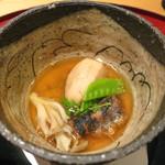 四季 - 煮物 (海老芋揚げ煮 鰯山椒煮 舞茸 絹さや 木の芽)