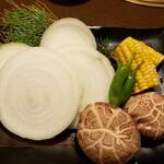 厳選和牛 焼肉 犇屋 - 焼野菜盛合せ
