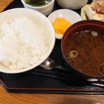 はみんぐばーど - ゴハン、お味噌汁のアップ 朝食感ありあり 日本人の朝食はお味噌汁だねえ?