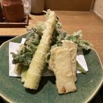 Akasakaajisai - 山形産山菜の天ぷらUP