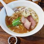 154231362 - 「醤油ワンタン麺(5個)」(970円)