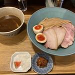 154264727 - 特製濃厚つけ麺 1200円