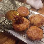 15427416 - 炙り平貝の磯部巻食べる辣油乗せ