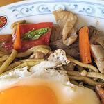 154278977 - ホルモン玉子野菜(中)